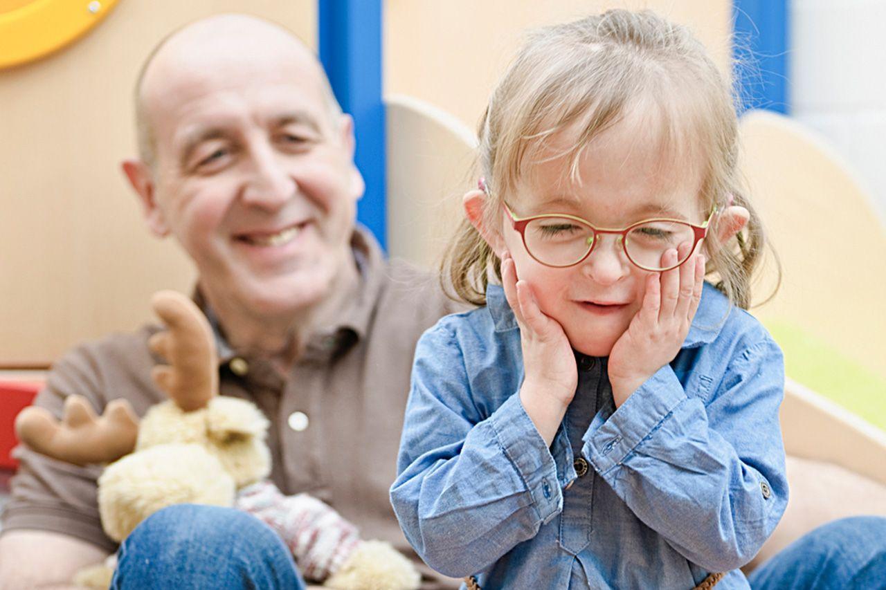 Ein Kind in der Behandlung des Pelikanhauses das durch FORUM unterstützt wird