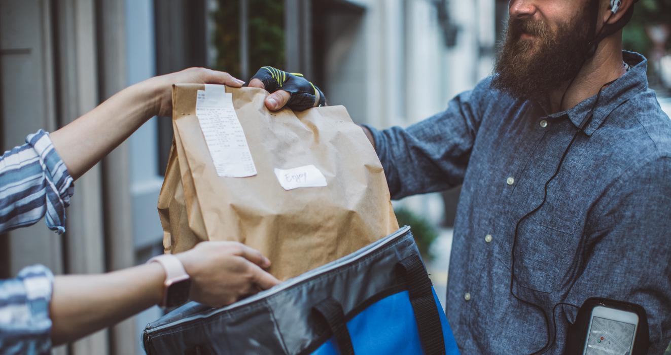 Dans l'hexagone, tout le monde les connait, les plateformes de livraison de repas que sont Uber Eats, Deliveroo et Just Eat règnent en maître sur leur marché, et semblent indétrônables.