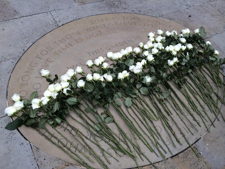 Tessa Jowell And US Ambassador, William Farish Plant White Roses
