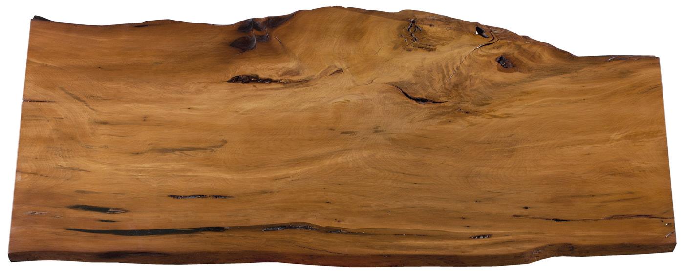 Erste Kauri Tischplatte, nachweislich 50.000 Jahre altes Sumpfholz aus einem Baumstamm, und war sofort begeistert von diesem faszinierenden Holz.