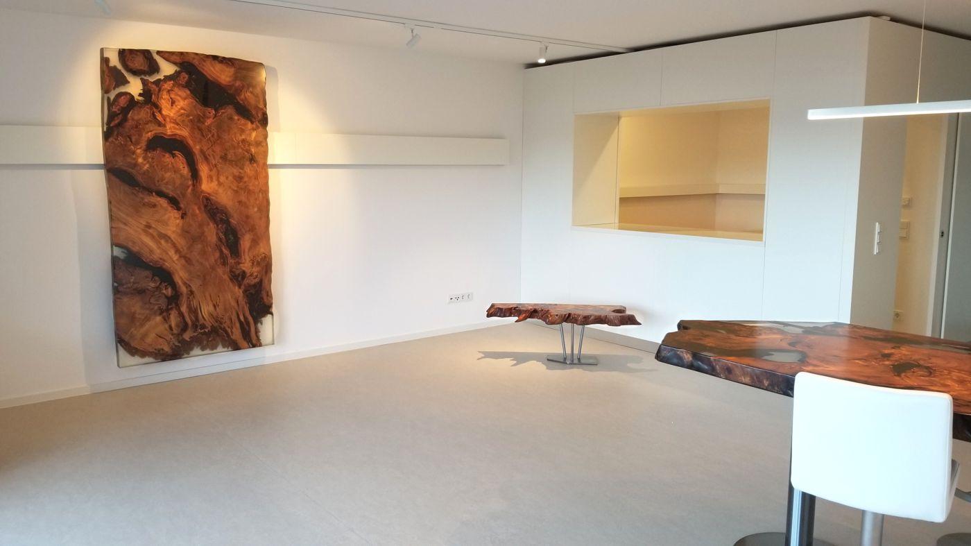 Ausstellung exklusive Kauri Designer Holztische Nähe Luxemburg, Esstische, Konferenztische aus Wurzel und Baumstamm on Beaupoil