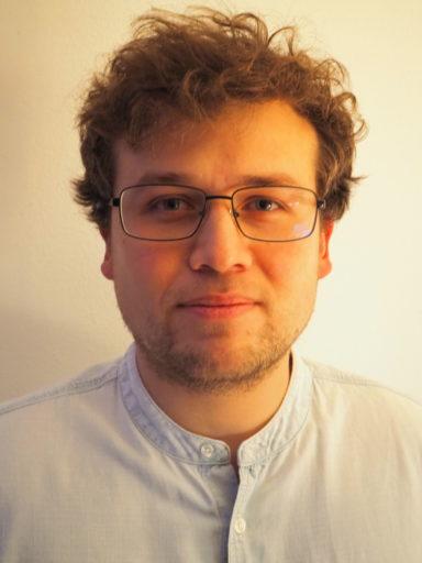 Meet Nicholas: Half-Costa Rican, Half-British: 100% Technology Analyst