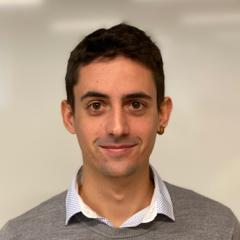 Pablo est un développeur full-stack spécialisé en intelligence artificielle qui rend le traitement de vos documents toujours plus efficace.
