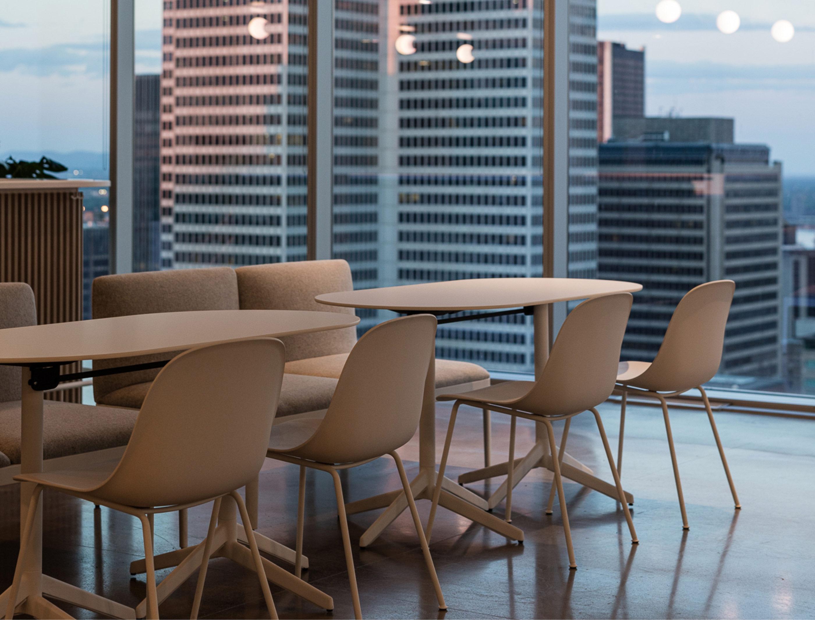 Salle à manger corporative conceptualisée par ISSA Designé