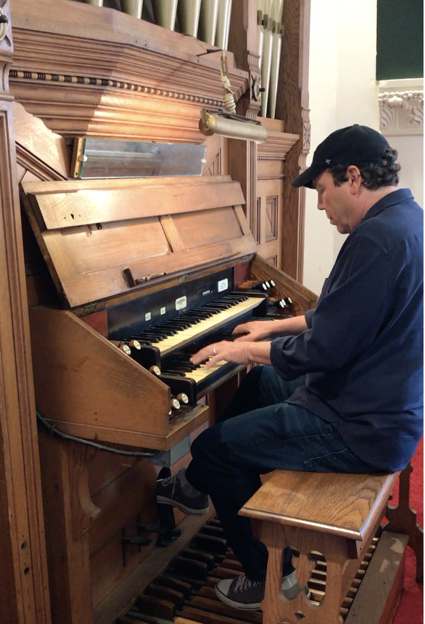 JoJo Hermann plays gospel