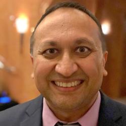 Headshot Snehal Bhakta