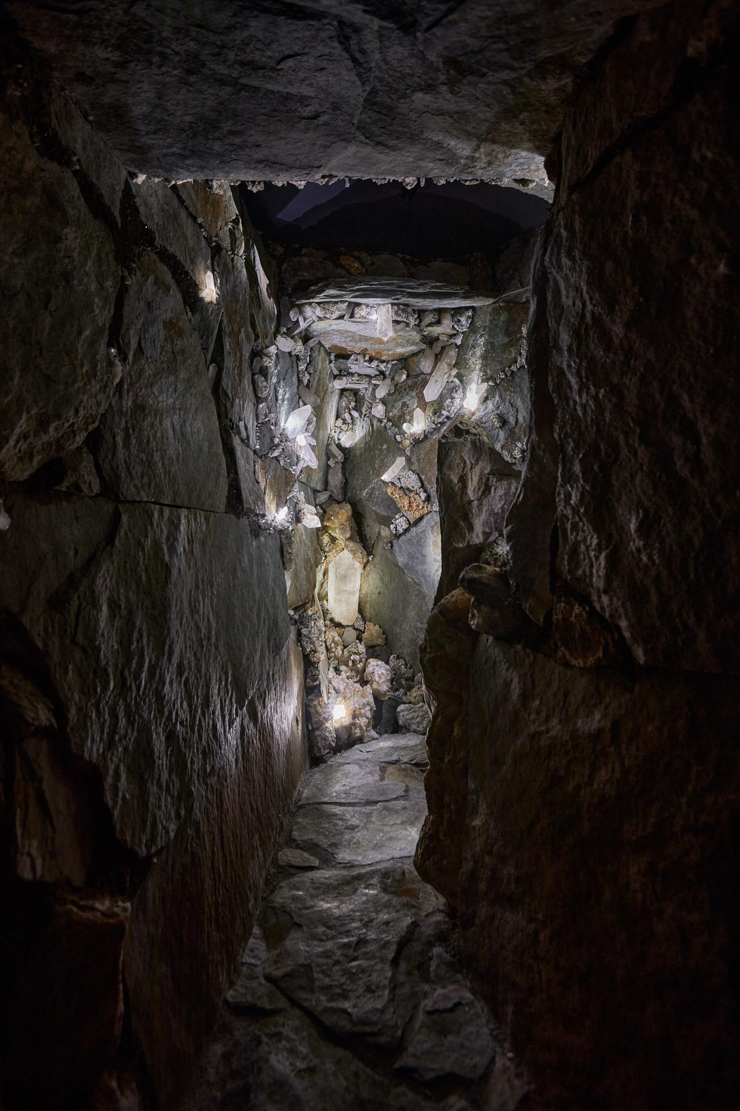 Mineralienhotel museum cave