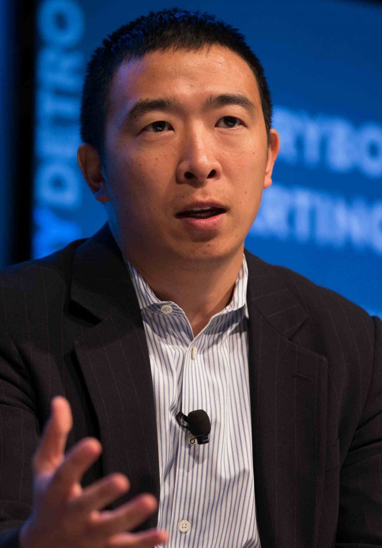democratic candidates how to pronounce andrew yang