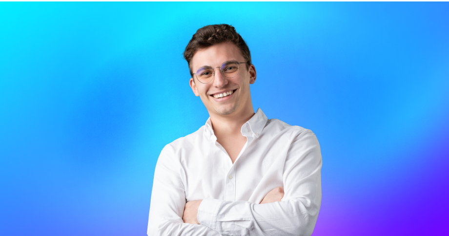a picture of a smiling profesional guy in a white shirt