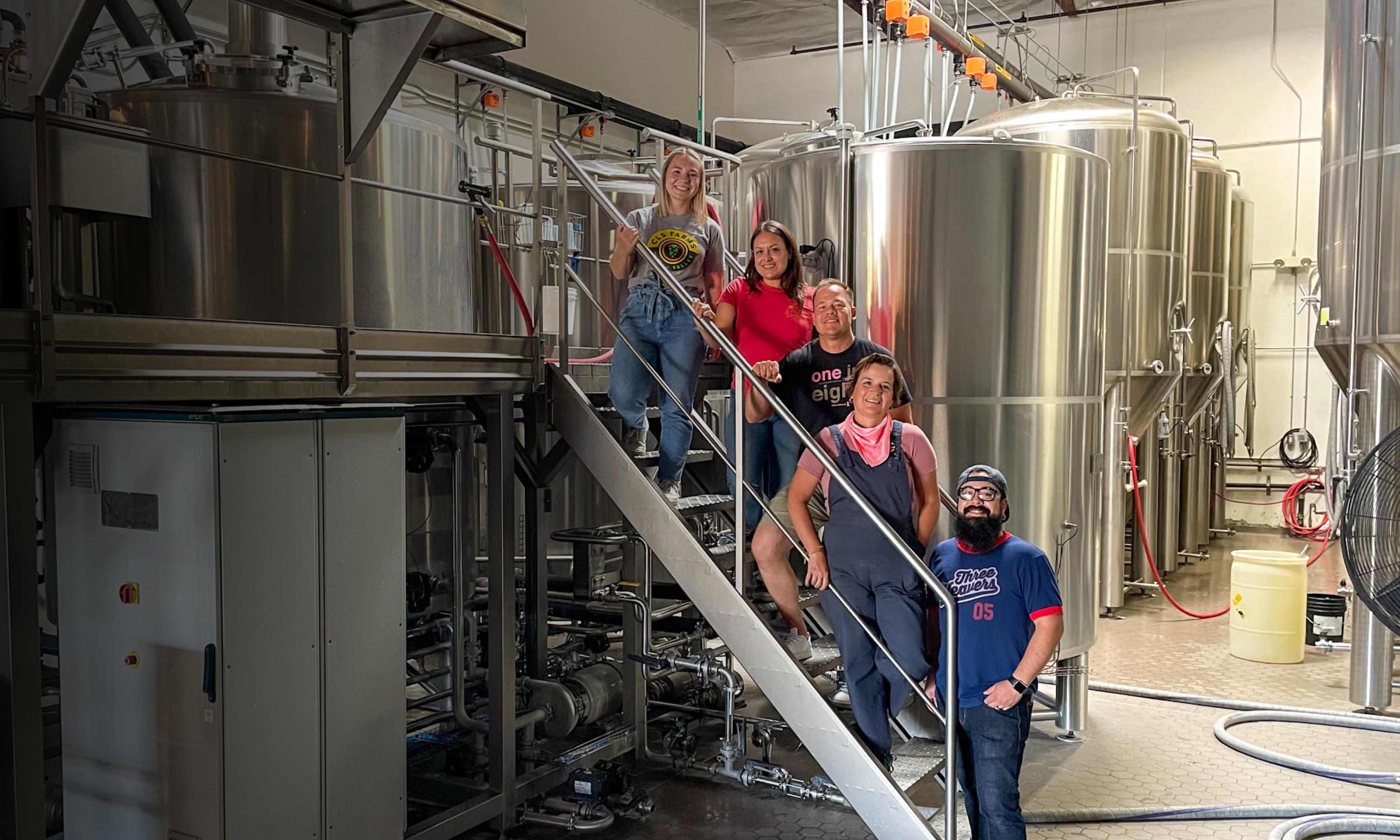 Three Weavers brewers and CLS Farms brewing an el dorado beer