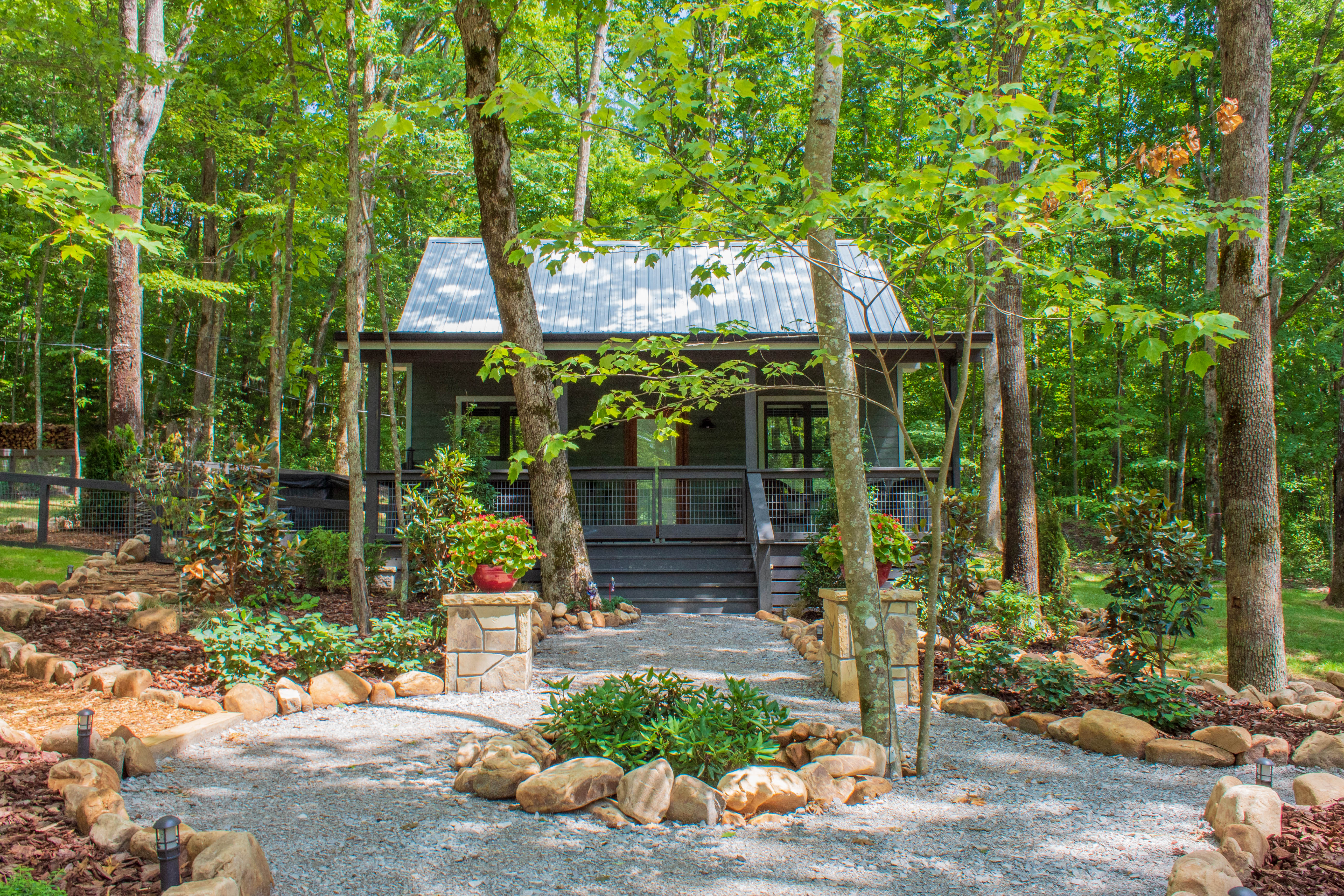 Hickory Sticks - A Cabin-style Home at The Retreat at Water's Edge