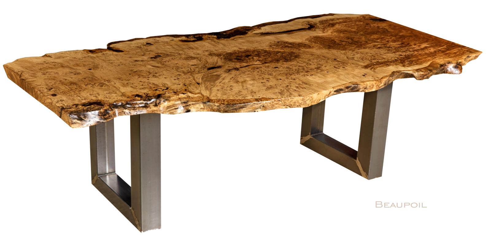 Holztisch mit natürlichen Baumkanten, kunstvoller Eiche Esstisch mit massiver wurzeltypischer Tischplatte, Kunstmöbel mit interessanten Naturmerkmalen