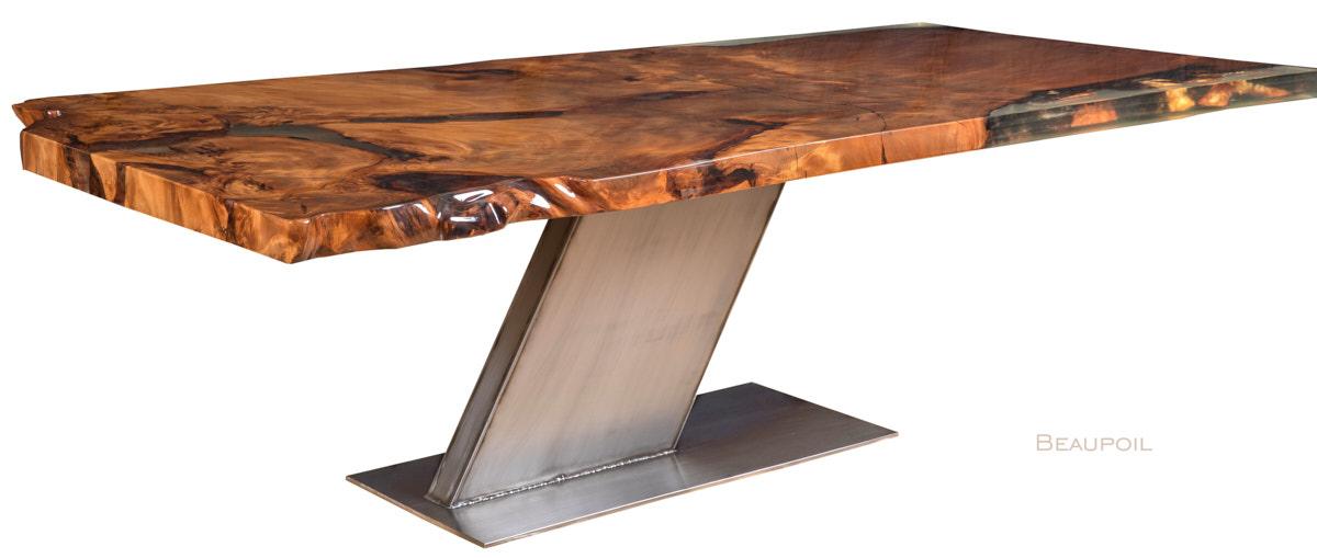 Designer Esstisch und Luxus Holztisch aus kostbarem Kauri Wurzelholz, besonderer Holztisch exklusives Luxus Unikat mit großer Tischplatte ein Stück