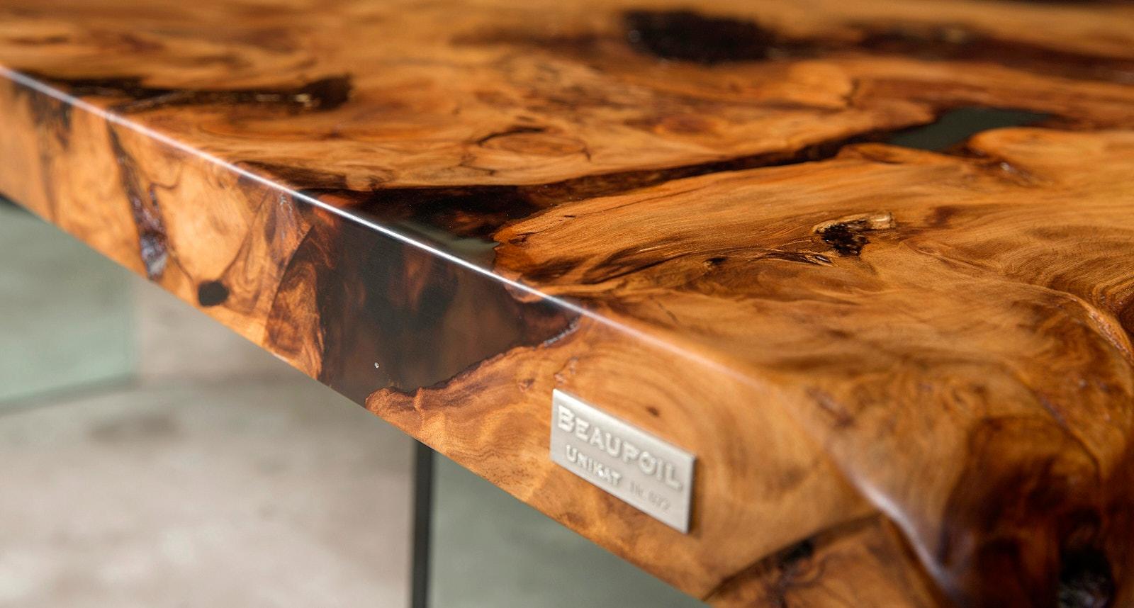 Wertvoller original Kauri Tisch von Beaupoil ein echtes Unikat Möbel und außergewöhnliche Wertanlage, Unikattisch und Möbelunikat an einem Stück mit außergewöhnlicher Schönheit und Ästhetik