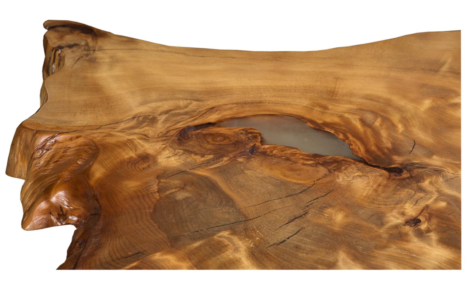 Exklusive Esstischplatte ein einzigartiges an einem Stück gewachsenes Naturkunstwerk, natürlicher Esstisch mit faszinierender Maserung, schöner Designer Holztisch
