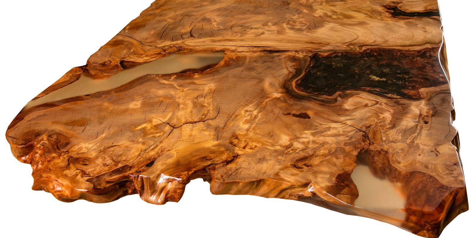 Große Esstischplatte mit Wurzelnaturwuchs und einzigartige Naturkanten des Kauri Esstisches, original Holztisch ein Stück von Beaupoil
