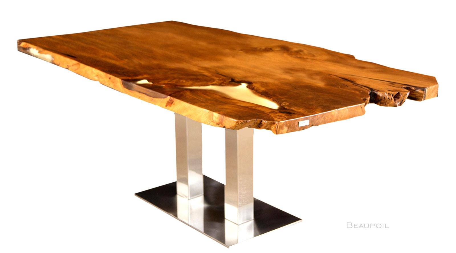 Beispielloser Kauri Holztisch mit Durchleuchtung der markanten Harzfüllung, einzigartiges Kunstwerk der Natur mit Wurzelanteil, unverleimte Esstisch Naturholz Tischplatte