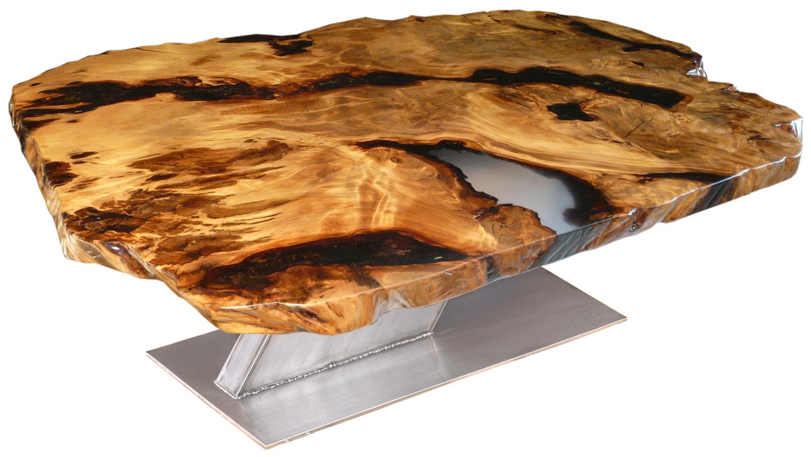 Designer Esstisch und besonderer Designer Holztisch aus Kauri Naturwurzel mit großer unverleimter Tischplatte und Edelstahl Fußgestell