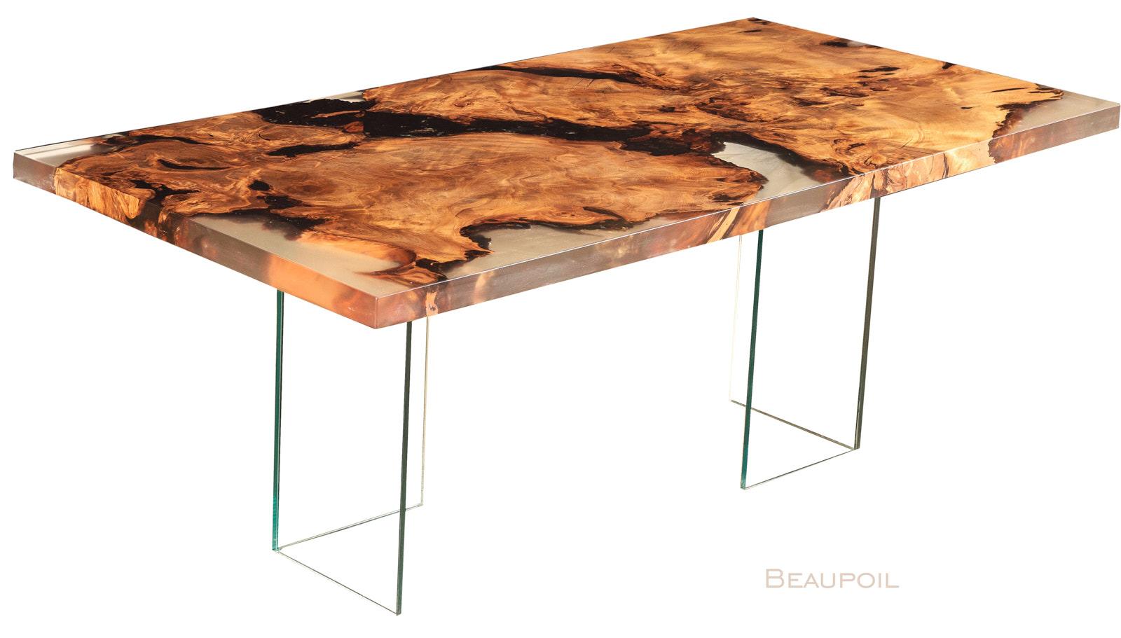 Exklusiver Designertisch aus einer kunstvollen Kauri Wurzel mit modernen Glasfüßen ist ein einzigartiges Unikat und Geldanlage und steht für unverwechselbares Möbeldesign
