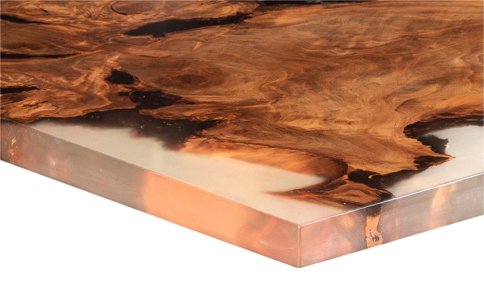 Wertvoller Kauri Designertisch mit besonderer Verarbeitung auch als Esstisch nutzbar, ursprünglicher Wurzel Holztisch Naturdesign