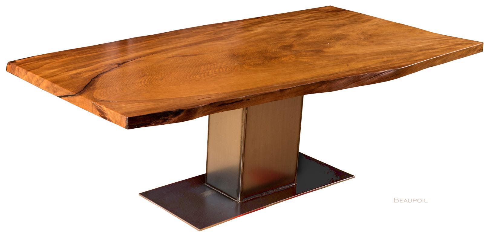 Kauri Massivholztisch aus dem Baumstamm mit speziellem Stahl Fußgestell als wertsteigernde Geldanlage