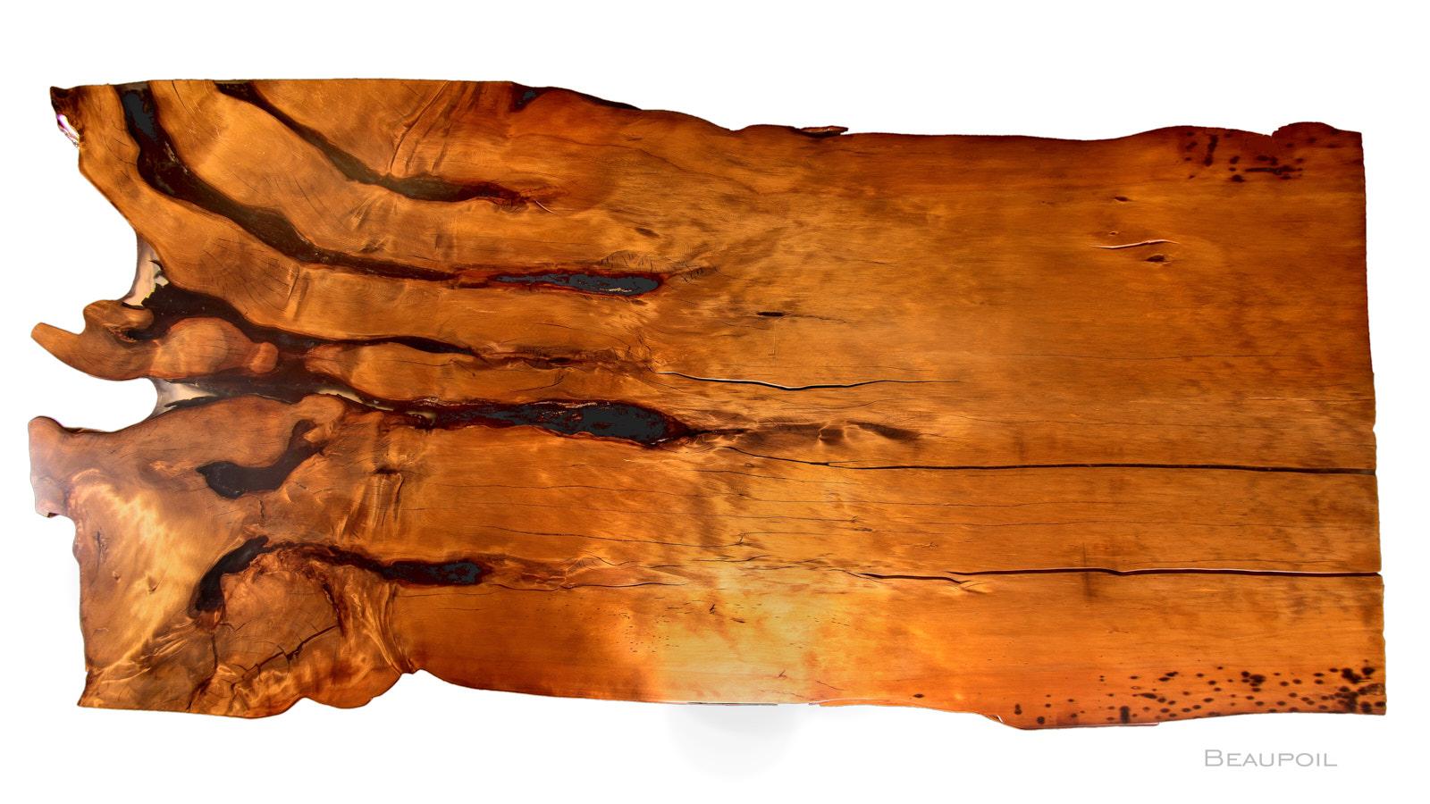 Unverleimter Baumtisch mit Wurzel Stamm Tischplatte, großer Naturholztisch und riesiger Luxus Konferenztisch mit Naturkanten