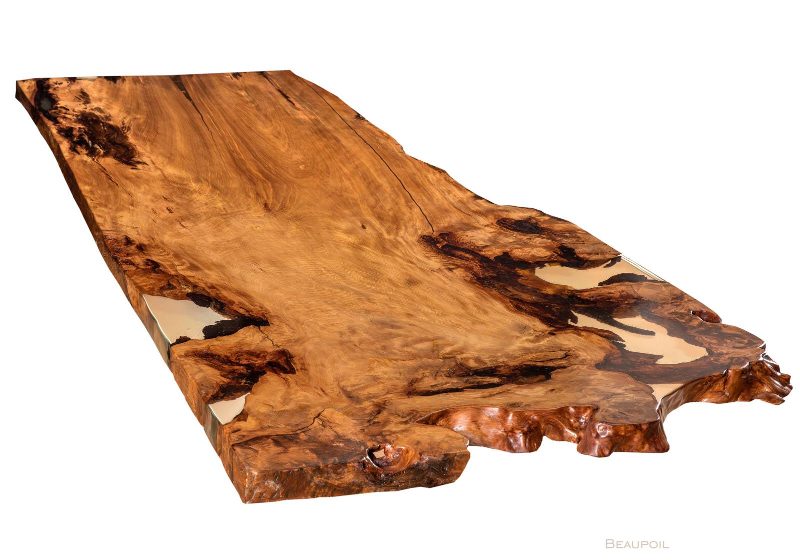 Extravaganter Baumtisch an einem Stück mit grosser Wurzeltischplatte, wertvoller Konferenztisch