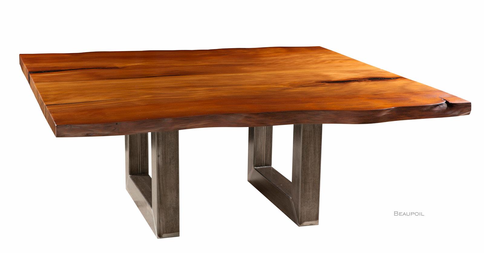 Großer Kauri Konferenztisch aus kunstvollem Baumstamm
