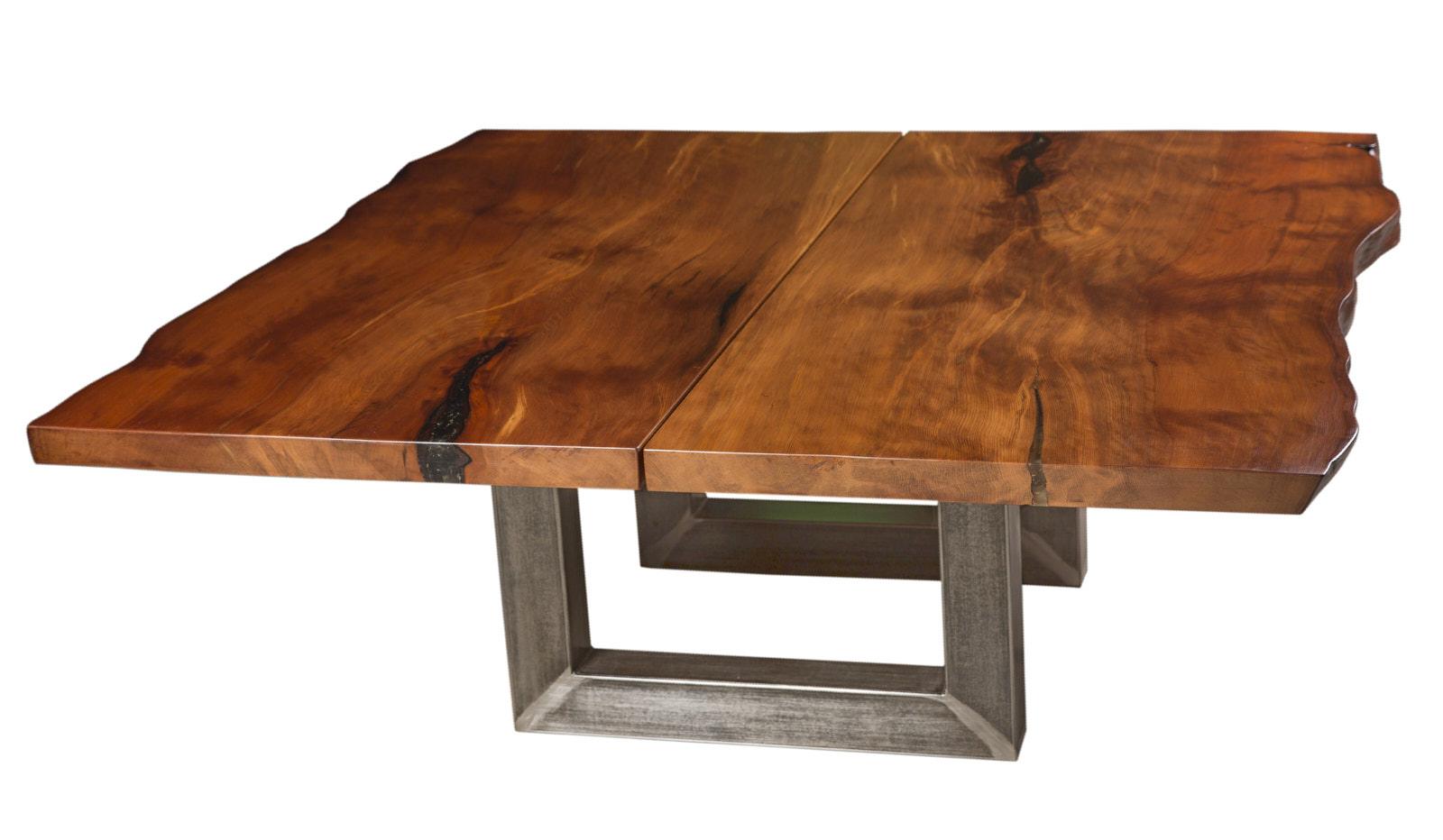 Konferenztisch aus großem Kauri Baumstamm mit Naturholz Tischplatte