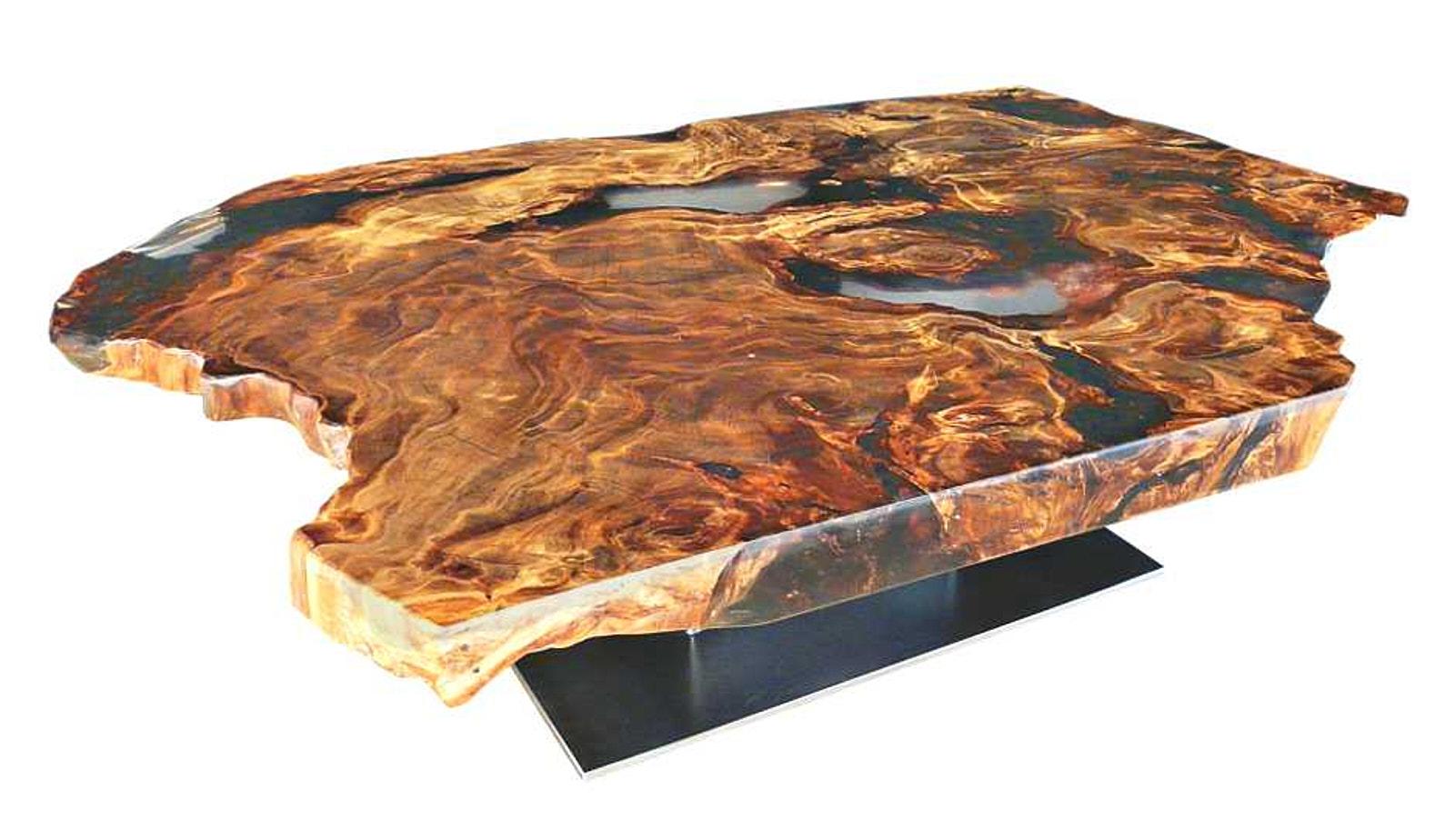 Hochwertiger Holztisch als Designer Couchtisch aus wunderschönem Kauri Wurzelholz mit Epoxidharz und feuchtigkeitsresistenter Tischplatte