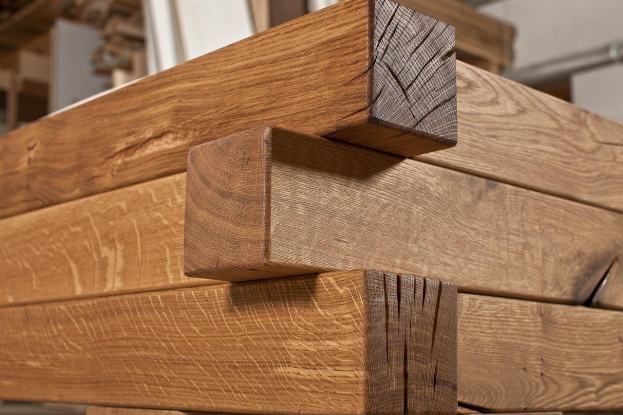 Qualitätsmöbel hochwertig und langlebig aus massiver Eiche, exklusives Holzbett und Möbel aus Holzbalken als Wertanlage, Massivholzbett Balkenbett