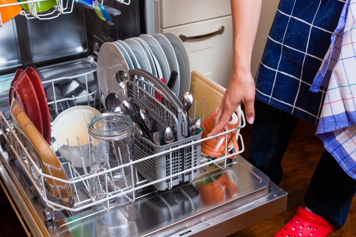 7 Surprising Things You Can Clean in the Dishwasher