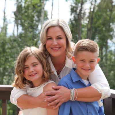 Photo of Karen Hosford and her children
