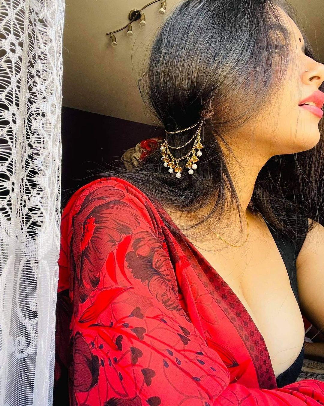 Bandra call girl