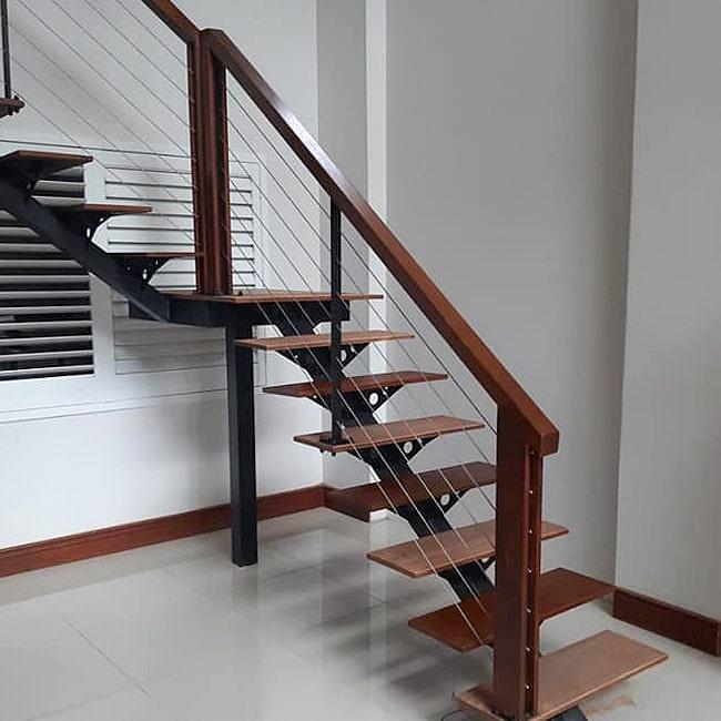 Wood balustrade