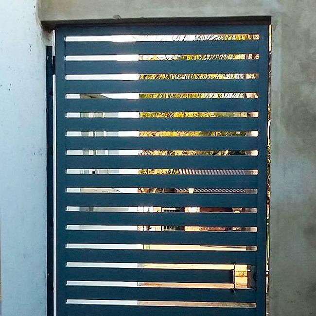 Metal bar security gate