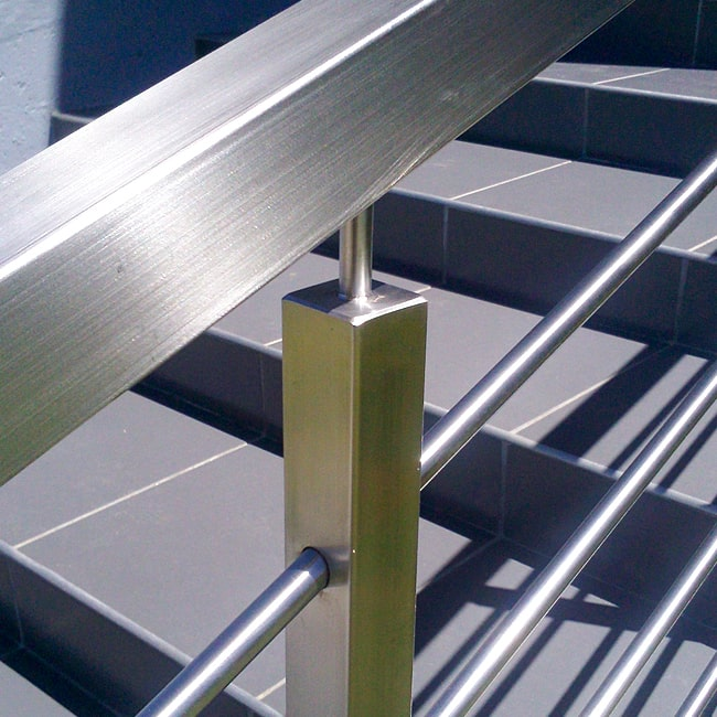 Square steel stanchion for balustrade