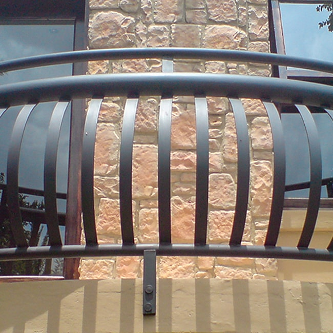 Balcony bannister designs