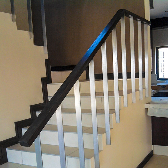 Staircase bannister