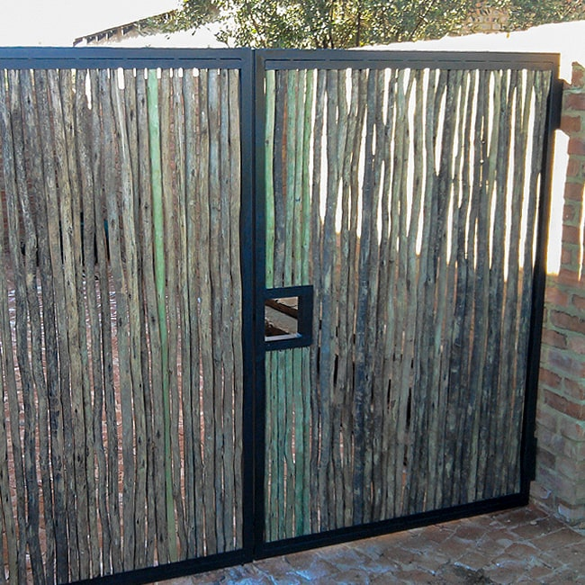 Steel frame lat gate