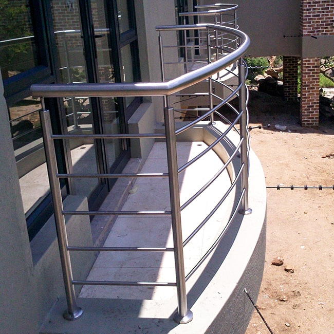 Curved balcony balustrade