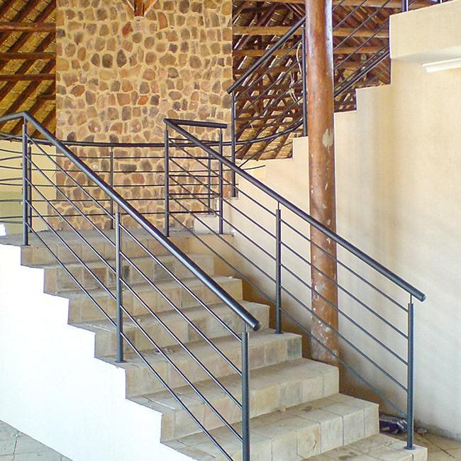 Staircase balustrade installed