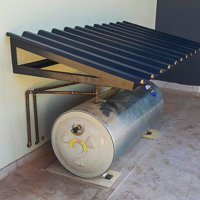 Steel afdak for outdoor geyser