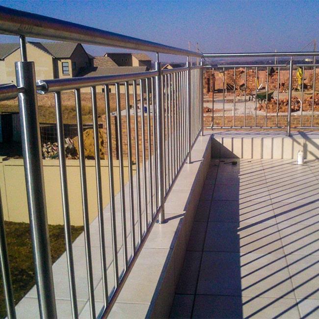 Stainless steel vertical balcony balustrade