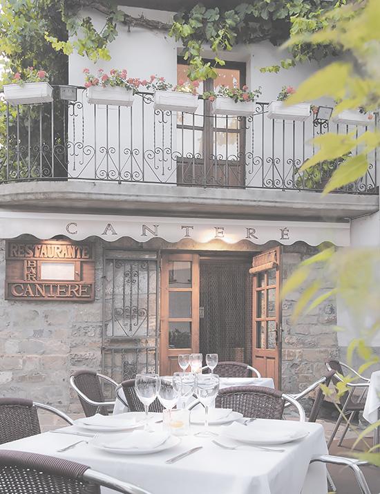 Terraza restaurante Canteré