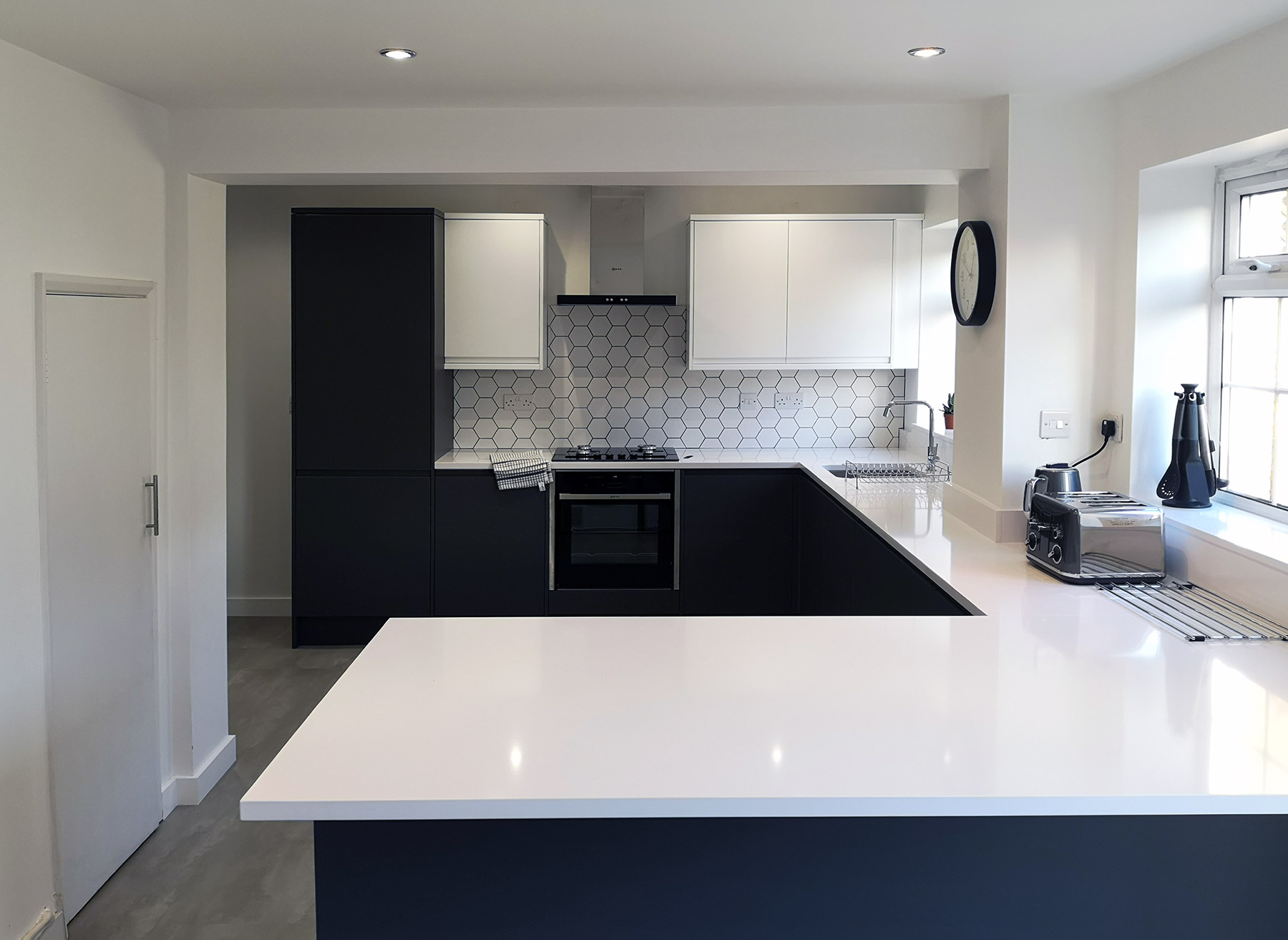 Howdens kitchen design and install in North Swindon