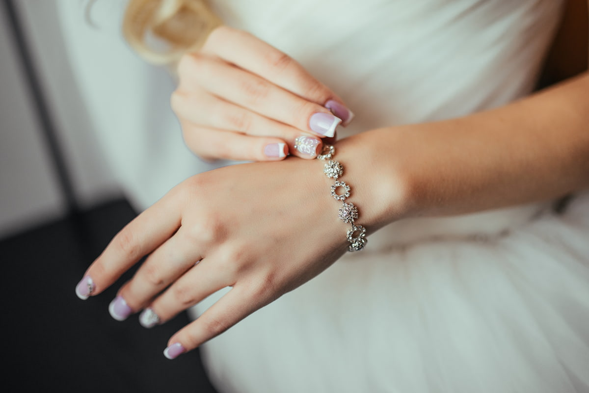 The 10 Best Jewelry Rental Services for Your Wedding That Don't Break the Bank