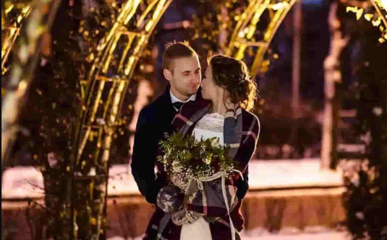 12 Christmas Wedding Ideas to Bring Holiday Cheer