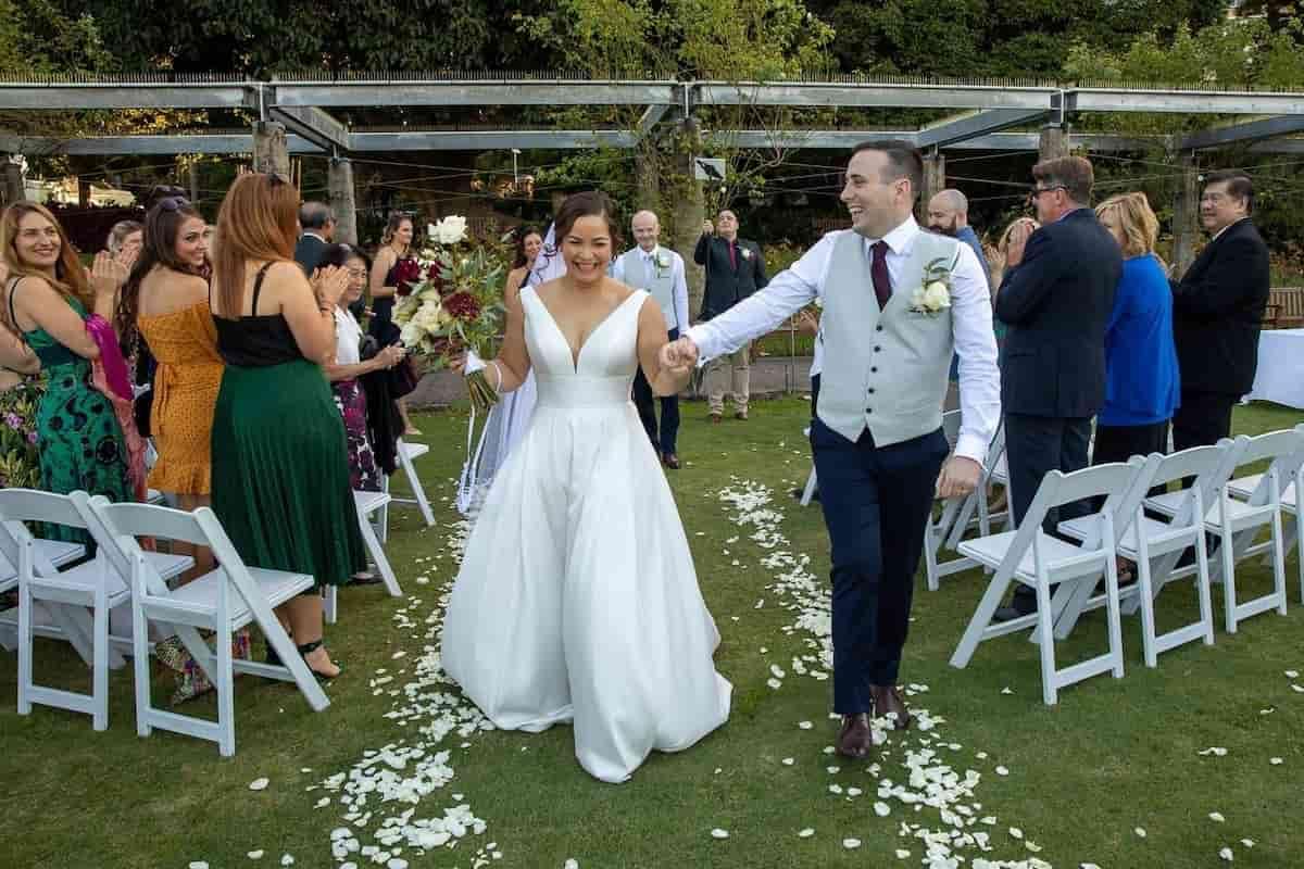 An Australian Micro-Wedding with an Opera House Photo Session