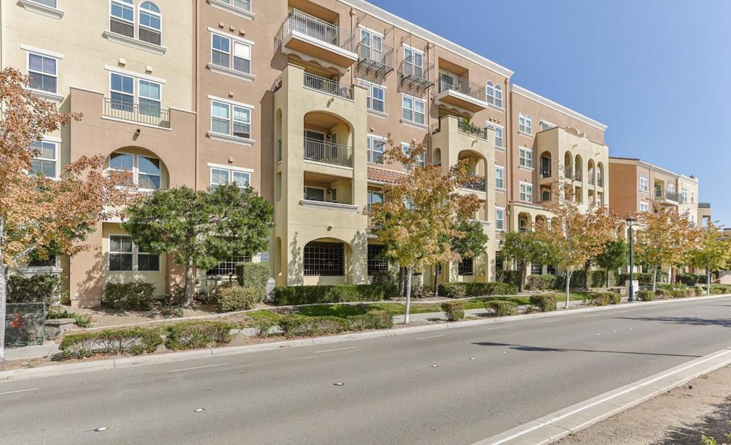 Eddie Oberoi Real Estate Listing